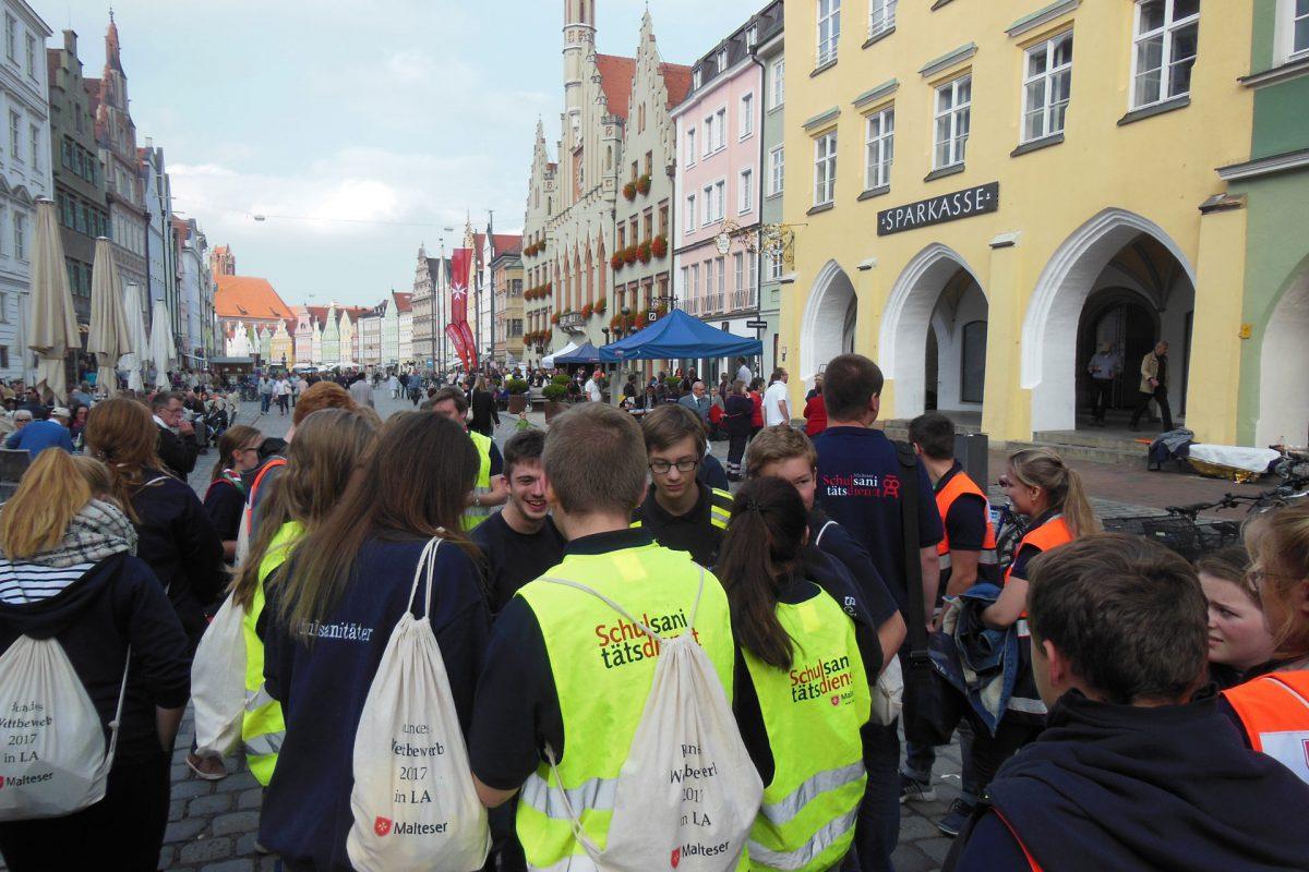 "Schulsanitäter ""erobern"" Landshut"