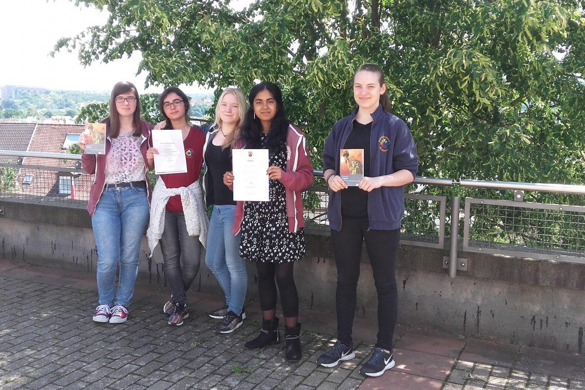 Schülerinnen des EvGBM wurden beim Bundeswettbewerb Fremdsprachen 2018 geehrt