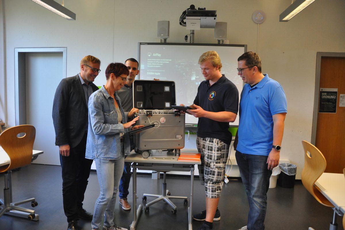 Förderverein stockt Tablet-Ausstattung auf