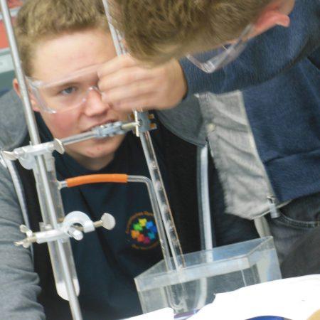 Wasserstoffentwicklung - Reaktion von Säuren mit Metall