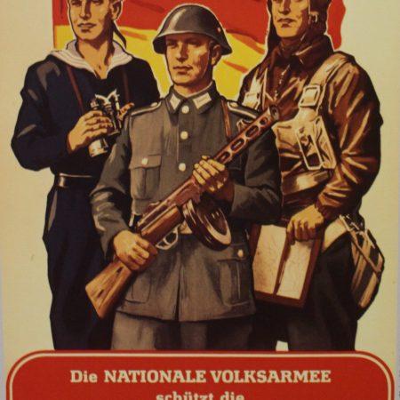 Plakat der Nationalen Volksarmee