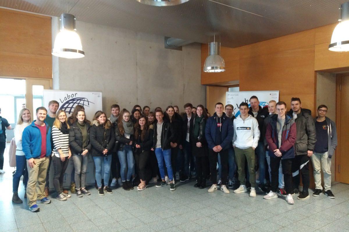 Exkursion in das GIS-Labor der Universität Koblenz